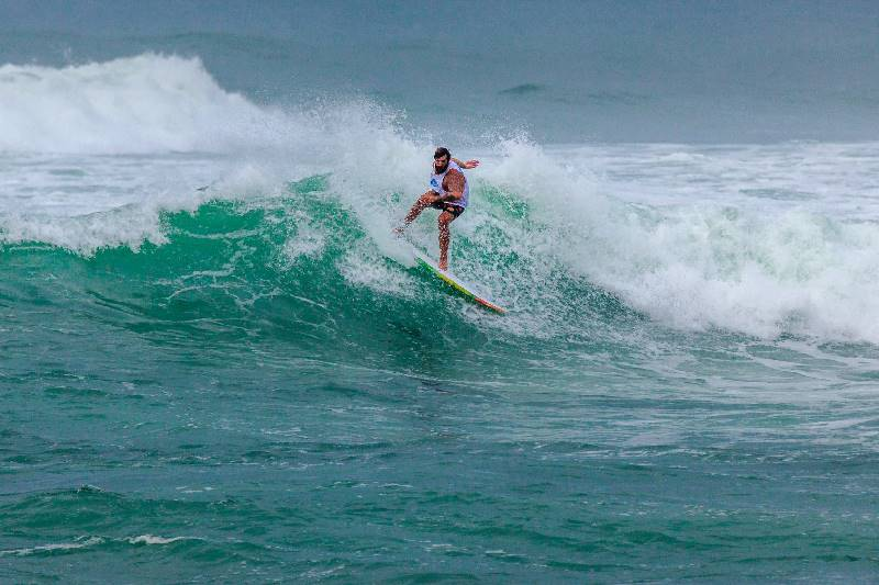 5 TIPS FOR INTERMEDIATE SURFERS